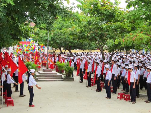 van ta buoi chao co dau tuan Văn mẫu tả quang cảnh buổi chào cờ đầu tuần